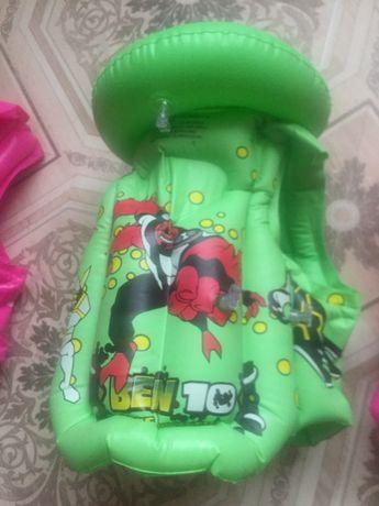 продам спасательный жилеты детские