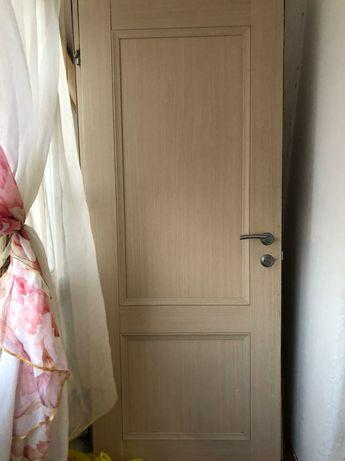 Продам входную деревянную дверь + межкомнатная в подарок.