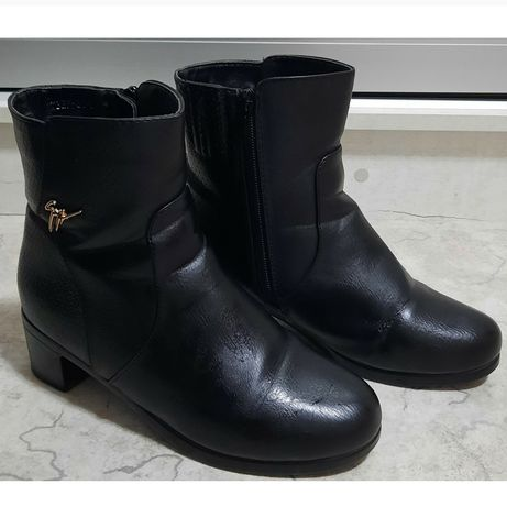 Ботинки р-р37 продам