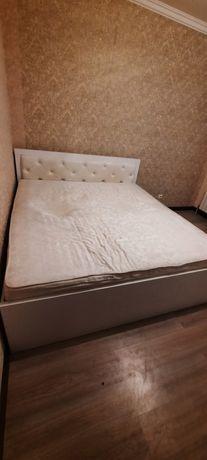 Матрас для спальной комнаты б/у