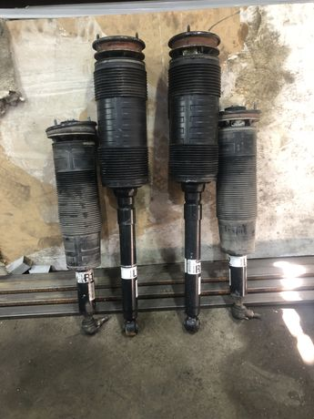 Продам амортизаторы w221 S65 AMG оригинал
