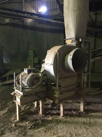 Vând/. schimb Exaustor / filtru / extractor industrial complet