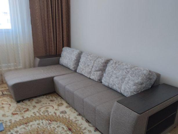 Универсальный диван в гостиную