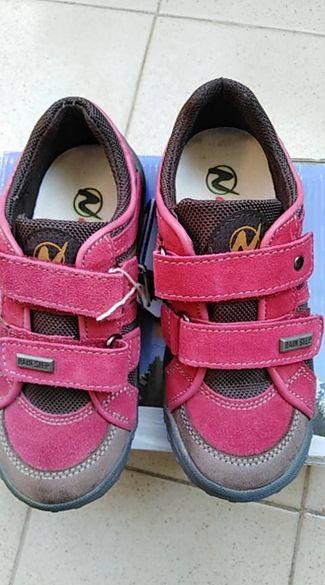 Детски обувки/маратонки НОВИ Naturino 29 номер.