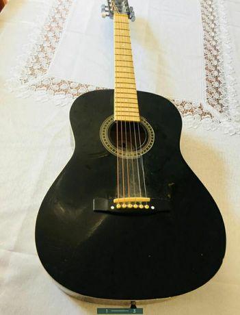гитара сатылады.