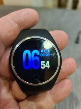 Смарт часовник Q1