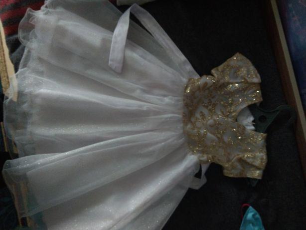 Платье для девочки 5-6лет и костюм снегурочки