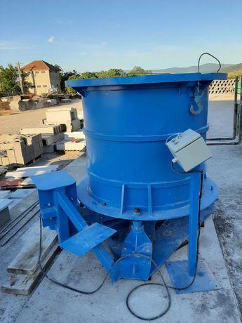 utilaj / masina productie tuburi beton , camine circulare /rotunde