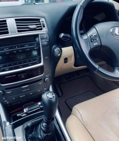 Lexus Seria IS Vând Lexus IS220d