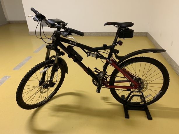 Mountain bike tracțiune integrala