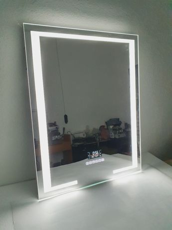 Oglinda de baie led