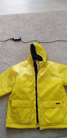 Vand haina Sport NIKE noua.Mărime XL,calitate, import Germania.