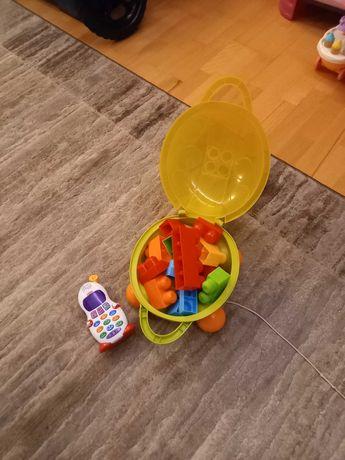 Образователна играчка телефон на Fisher Price и детски конструктор