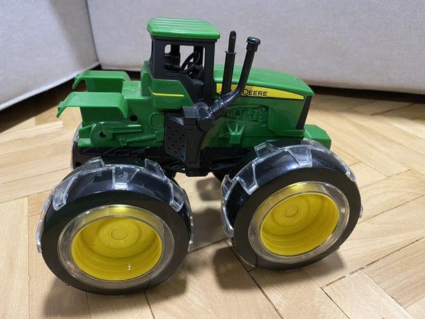 Vand Tractor de jucarie John Deere Monster Treads