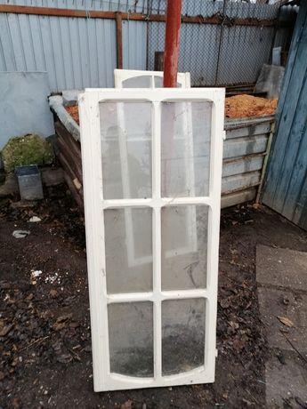 Vind 12 ferestre din lemn cu sticla 1,46×0,60m