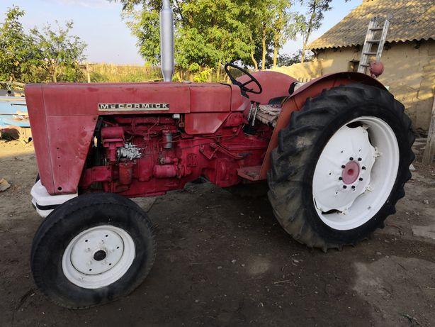 Tractor mccormick 65 cai