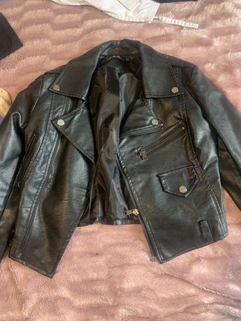 Продам Куртки осень