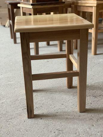 Vand scaunele, tambureți din lemn masiv