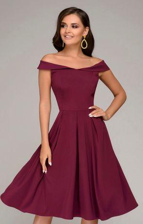 Продам женское платье новое 36 размер Продам