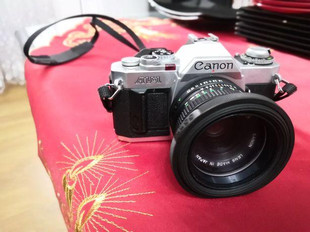 Aparat foto Canon AV-1 + accesorii