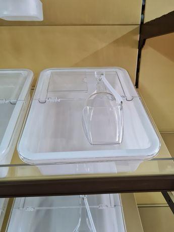 Контейнер за насипни храни с лопатка