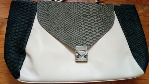Ефектна чанта в кремаво и сиво