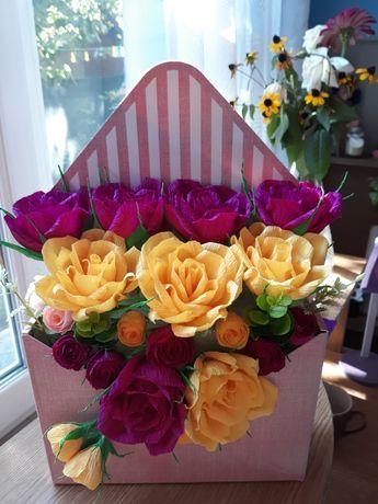 Aranjamente florale din hartie creponata