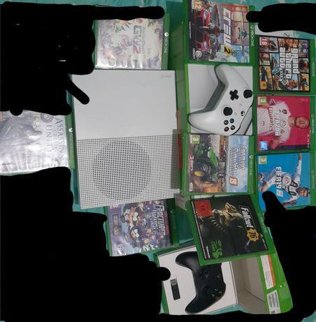 Vând Xbox one S 1TB