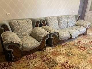 диван, кресло в идеальном состоянии