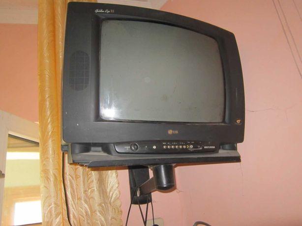 Телевизор  LG  и Сони