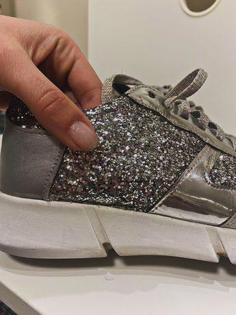 Чисто нови Стилни дамски обувки
