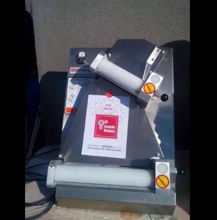 1.Ламинатор Машина за оформяне на тесто Нов Турция 2.Ролките се регу