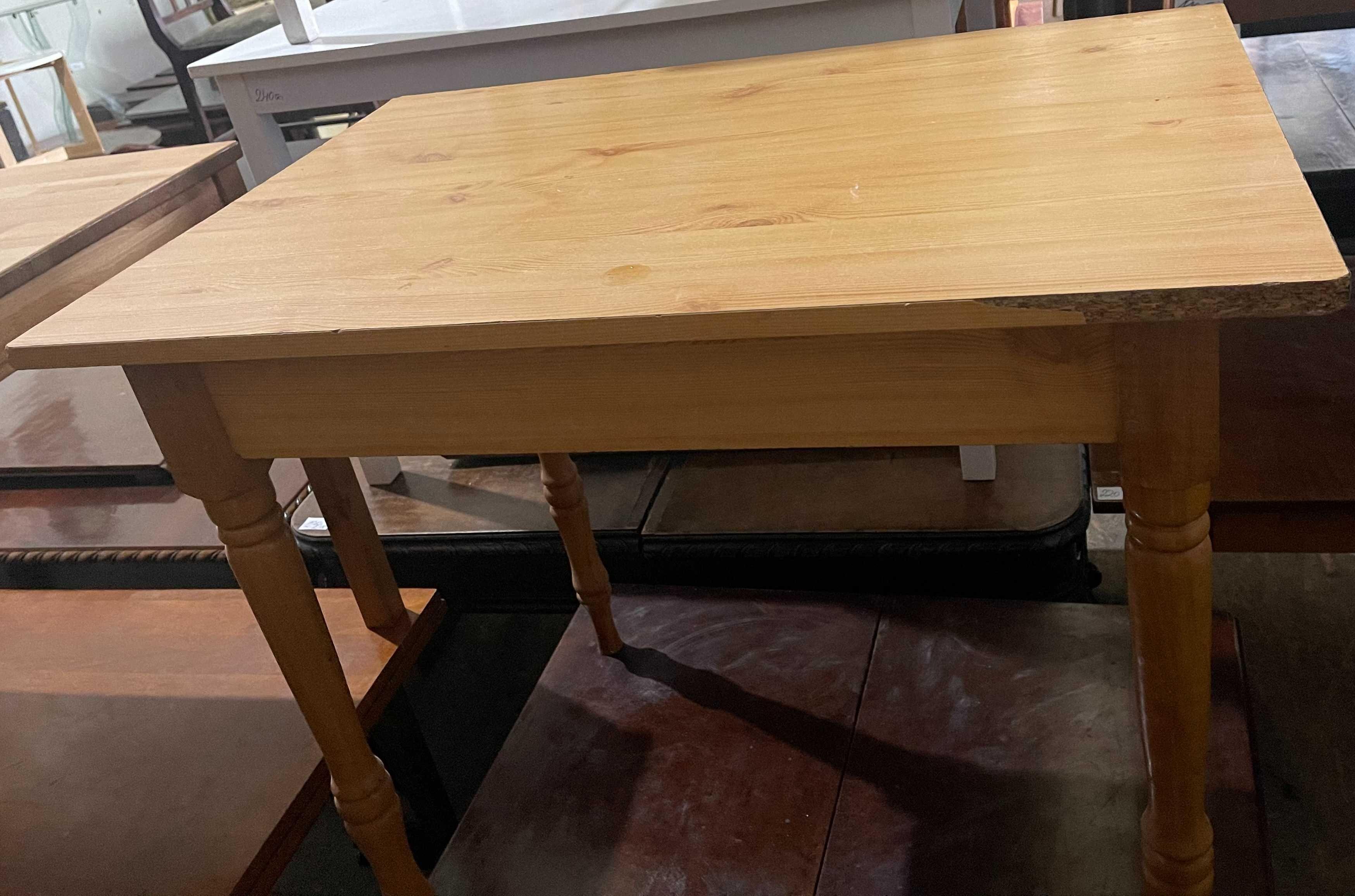 Masa solida de bucatarie din lemn masiv; Masuta cu blat 90x60