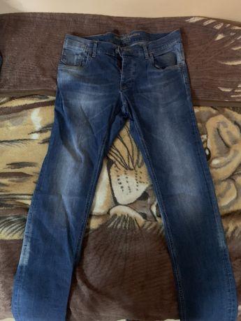 Мъжки дънки