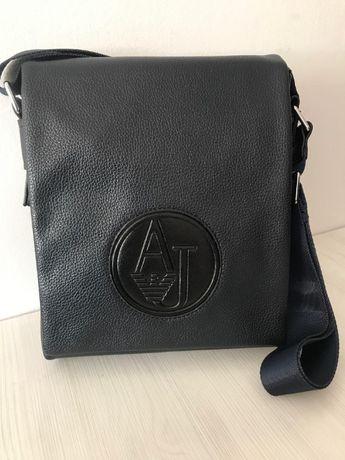 Стилна мъжка чанта Armani от естествена кожа 16