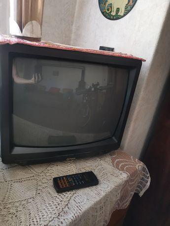 Телевизор 20 инча с чистонов декодер