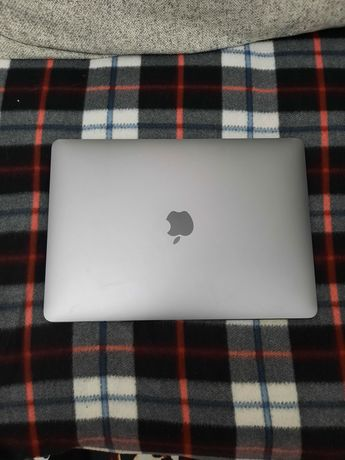 Срочно продам MacBook air 2020