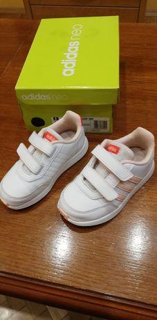 Adidas с КУТИЯ детски НОВИ коженени маратонки