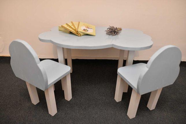 Masa cu scaune copii și pat montessori