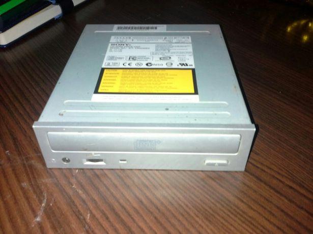 CD - RW ROM записваюши привод.