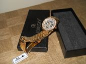 Продавам нов луксозен дамски часовник