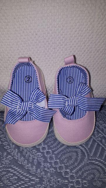 Papucei fetite