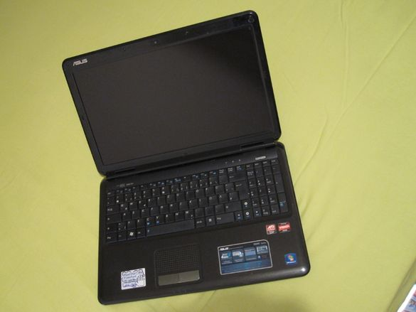 Продавам лаптоп ASUS X5DAB със зарядно - за части