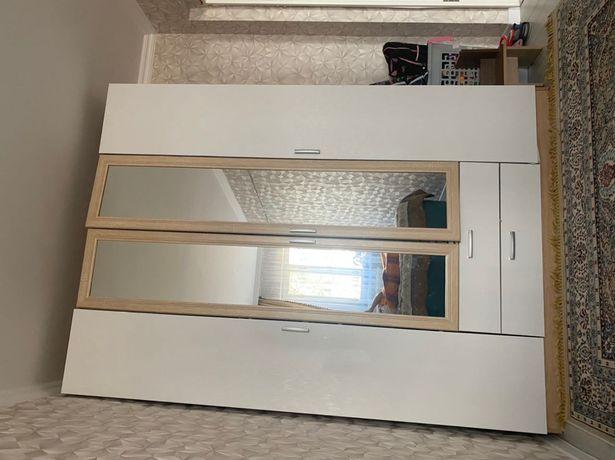 Продам высокий шкаф