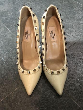 Сандали Just Cavalli и обувки Valentino