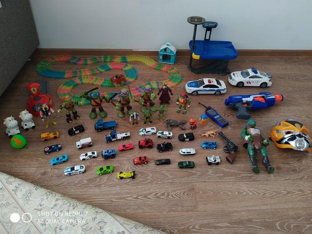 Отдам игрушки разные
