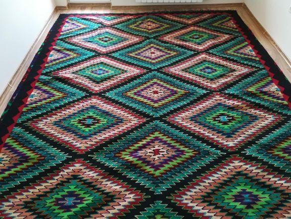 Нови ръчно тъкани вълнени килими