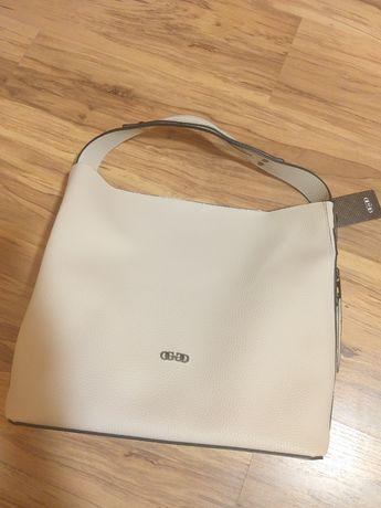 Чанта чисто   нова