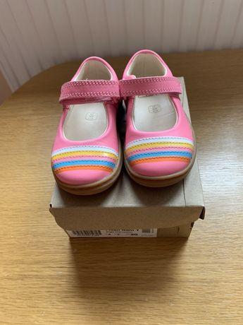 Pantofi noi Clarks piele marime 20