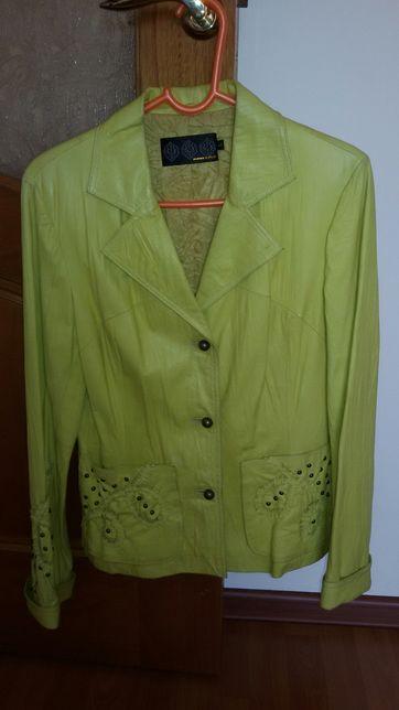 Куртки кожа 46-48 размер женские